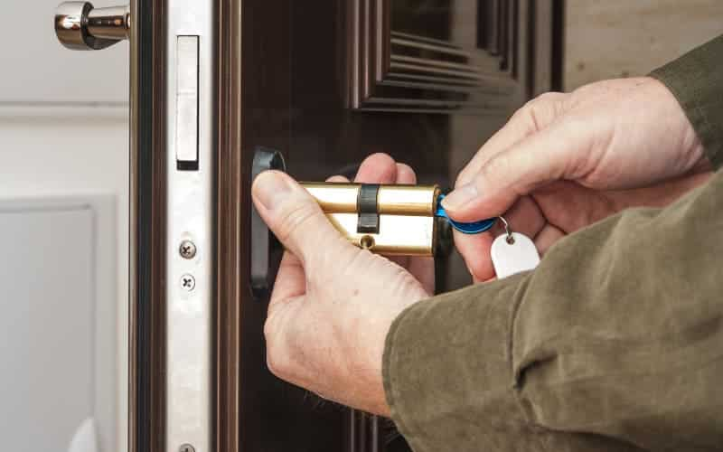 How To Change The Cylinder Of A Lock